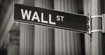 wall-street-tablichka-znak