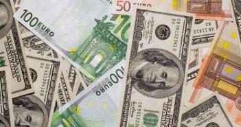 money-dollars-euro-dengi